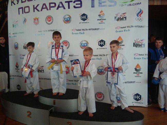 Юные красноперекопцы стали победителями Всероссийских соревнований по каратэ